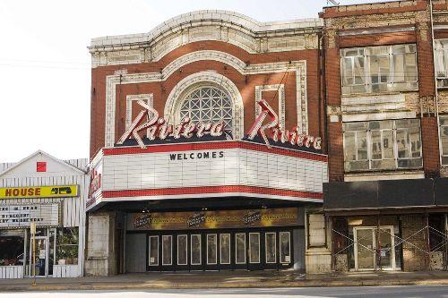 Riviera_Theatre